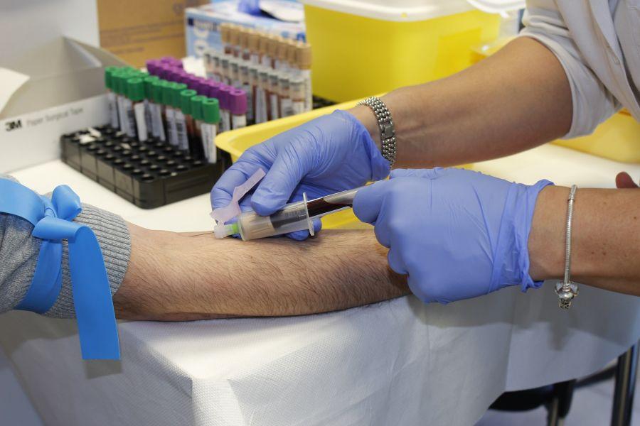 взятие анализов крови при рецидивирующем кандидозе