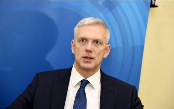 Кариньш: нужно перестать надеяться на ЕС как вечную дойную корову