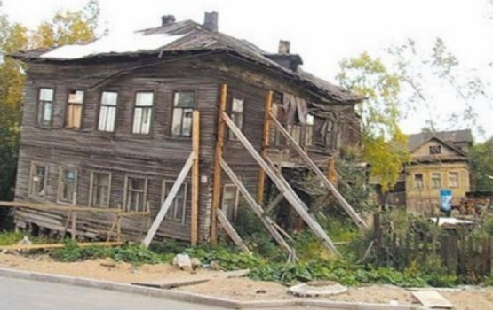 «Хочу жить в маленьком крае». Вот только жить негде, дома - запущенные или дорогие