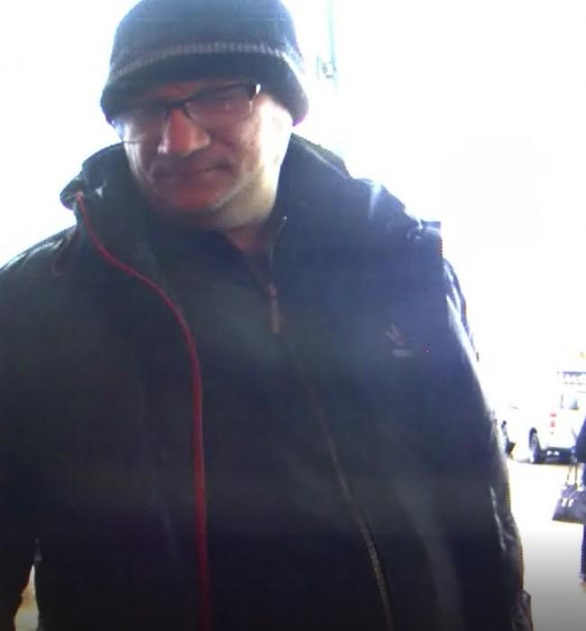 Полиция просит опознать мужчину