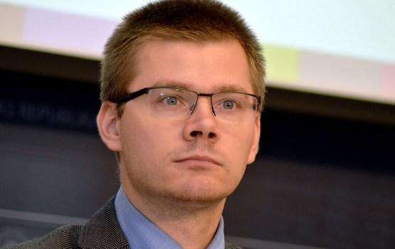 Иесалниекс ответил Лимонову: «Мы не русофобы, мы против путинизма»