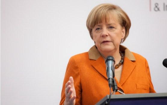 Меркель исключила возвращение РФ в G8, напомнив об аннексии Крыма