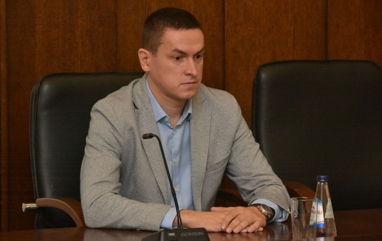 Три депутата предлагают уволить первого вице-мэра