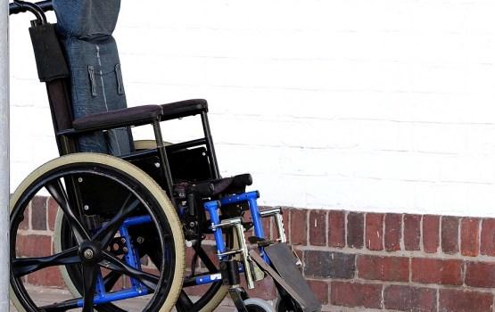 Эмигрантка из Латвии: почему инвалиды из Латвии получают зарплату в Шотландии и пособие в Латвии одновременно?
