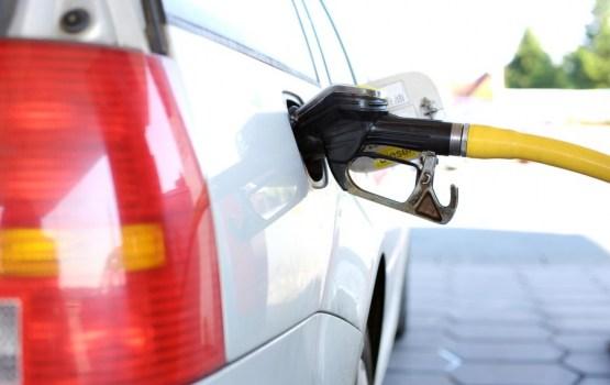 Цены на бензин в Латвии продолжают расти