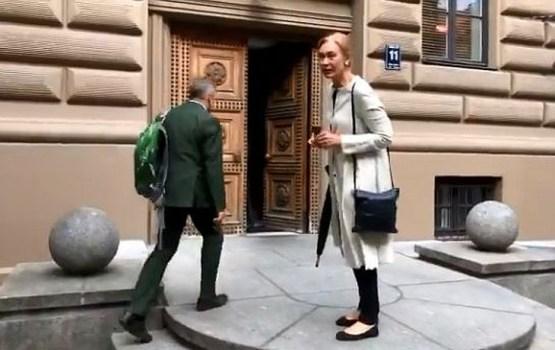 Депутат пикетчикам: «Не хотите еще руки и ноги пожертвовать?» (ВИДЕО)