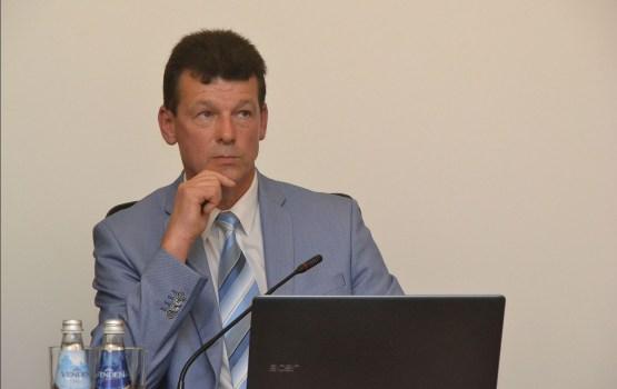 Эйгим предложил Голдберге освободить место исполнительного директора