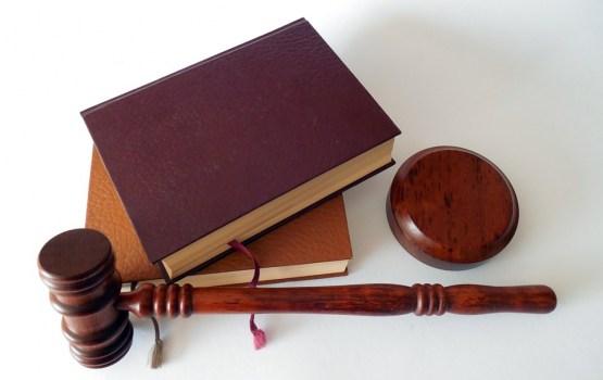 Политолог: качество законов падает и политики этим пользуются