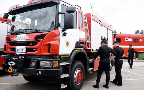 Пожарные спасли пострадавшего в ДТП