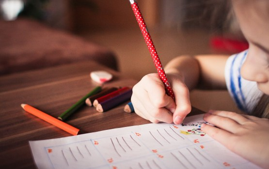 Некоторые родители спешат отдать ребенка в детсад (ОПРОС)