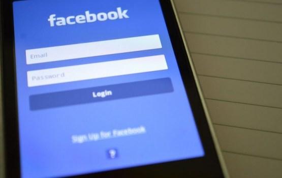 Facebook отказался блокировать фейковые новости