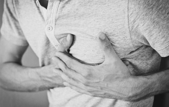 Соцсети: cкорая отказалась помогать сердечнику, упавшему на улице