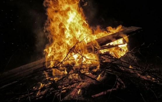 В Даугавпилсе горел многоквартирный дом