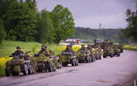 """""""Голодные, зато вооружены до зубов"""": латвийцы об увеличении оборонного бюджета"""