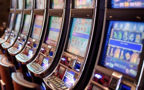 Полицейские подозреваются в мошенничестве с игровыми автоматами