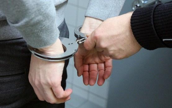 У спящего на улице мужчины нашли три паспорта гражданина Беларуси