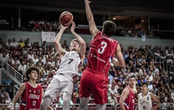 Юниорская сборная Латвии по баскетболу завоевала серебро на чемпионате Европы