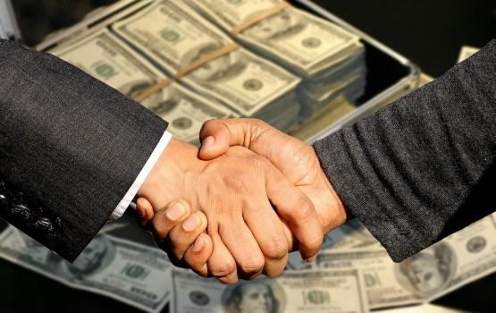 Кто и почему не хочет ограничить быстрые кредиты?