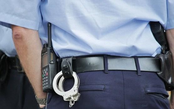 Полицейский подозревается в незаконном применении силы против задержанного