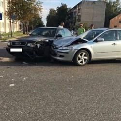 Фотофакт: авария в микрорайоне Химиков