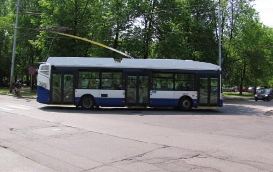 В Риге троллейбус протащил несколько метров сбитого ребенка