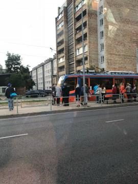 Пассажиры спасли мальчика, упавшего на трамвайные пути