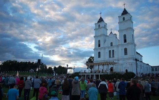 Город поможет верующим встретиться с Папой