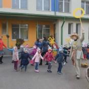 В детском саду Rozīte открыли аллею «знаков силы»