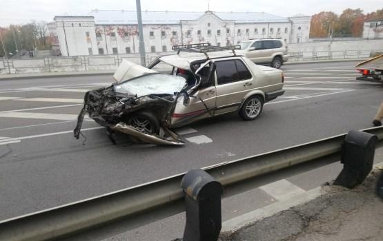 Из-за аварии на 18 Новембра образовалась двухкилометровая пробка