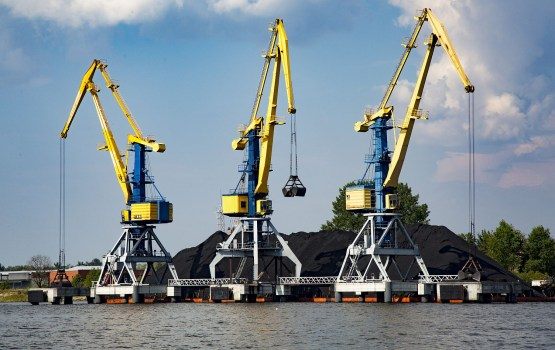 В портах Латвии за девять месяцев перевалено на 2,2% больше грузов