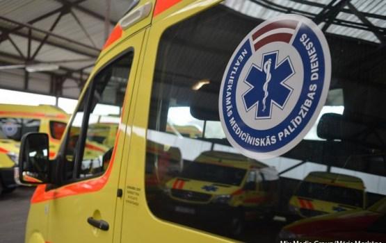 9-месячная девочка доставлена в больницу с подозрением на гвоздь в желудке