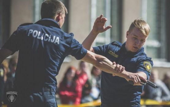 Почти половина будущих полицейских не могут сдать экзамен по физподготовке