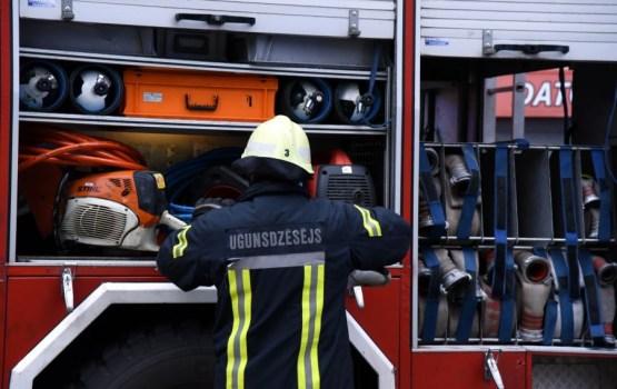 В Даугавпилсе тушили пожар повышенной опасности