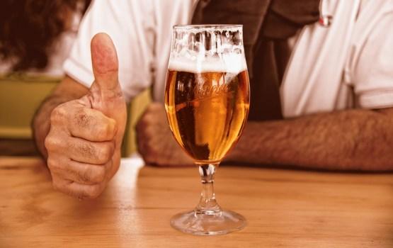 Все больше пенсионеров в Латвии становятся алкоголиками