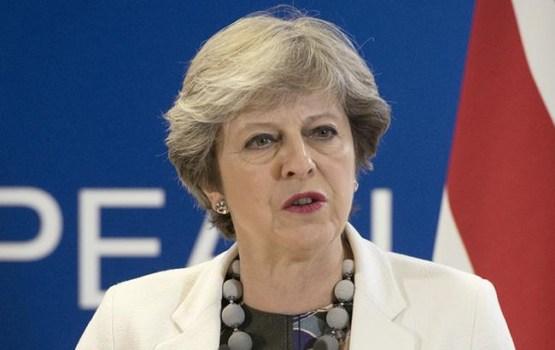 В Британии начнут процедуру отстранения Терезы Мэй от власти