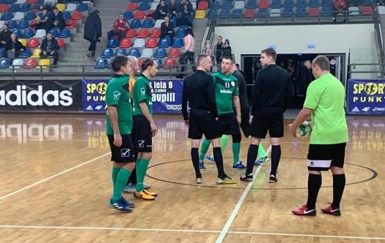 Чемпионат по футзалу начался с убедительных побед