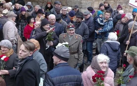 В шествии памяти латышских легионеров поучаствовало около 1000 человек