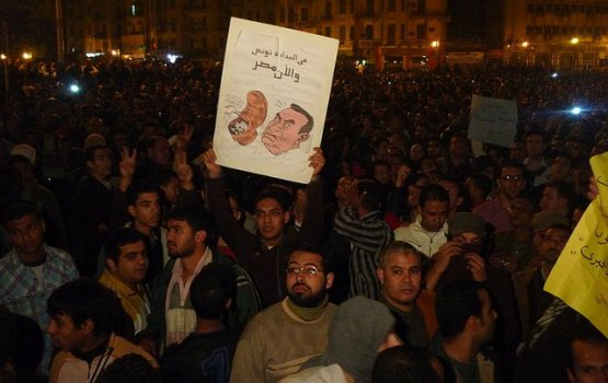 Отмечая победу над Мубараком, египтяне жестоко избили и изнасиловали журналистку из США