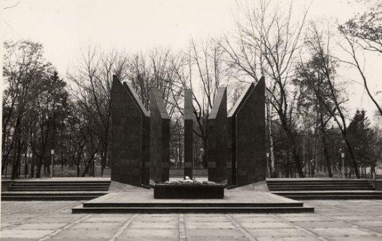 Ко Дню освобождения Даугавпилса: история парка Дубровина