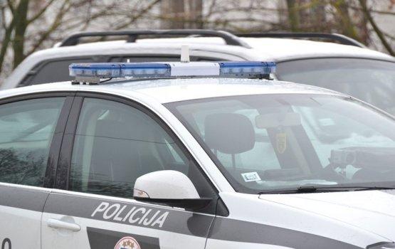 Несовершеннолетние удирали от полиции на угнанном автомобиле