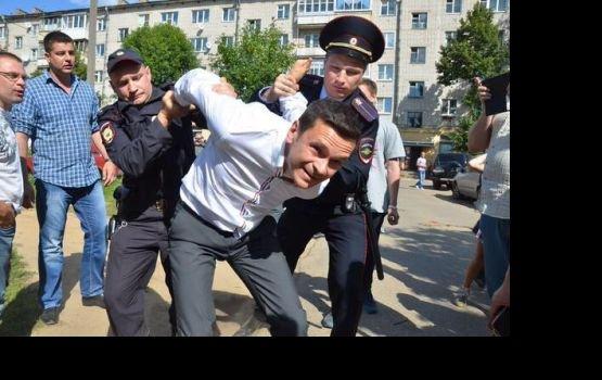 В России задержан оппозиционер Илья Яшин