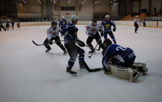 Хоккей: «Даугавпилс» разгромил «Венту-2002»
