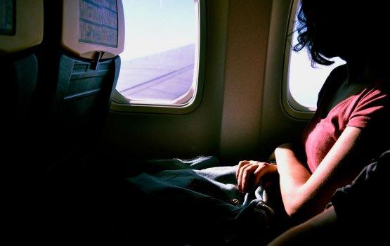 Полезные советы: как заснуть в самолете