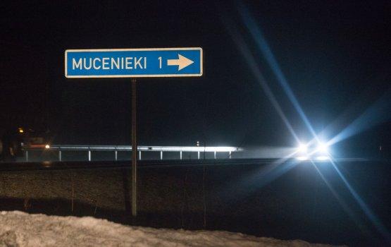 """В Балтии """"за кадром"""" остаются тысячи иммигрантов"""