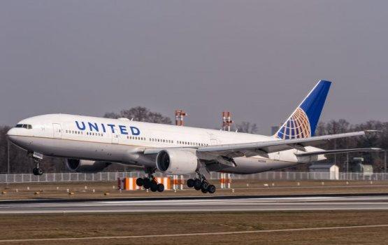 United вернет деньги за билеты всем пассажирам скандального рейса