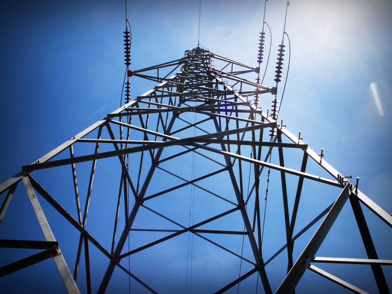 Сегодня по всей Латвии возможны перебои в подаче электричества
