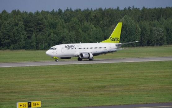 «airBaltic» представила на Парижском авиашоу самолет CS300
