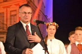 Польскому дому пожелали сто лят