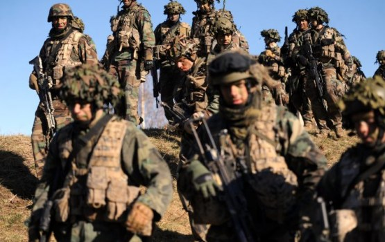 """На страже Отечества! За службу в армии обещают 850 евро """"на руки"""""""