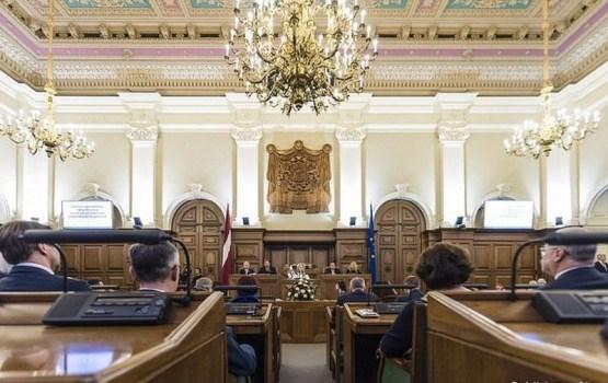 Зарплаты слуг народа подрастут до 5 тысяч евро (список счастливчиков)